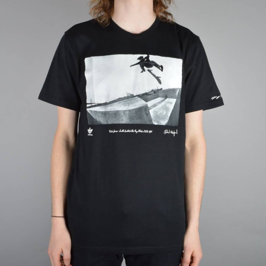 Skateboarding clothing stores