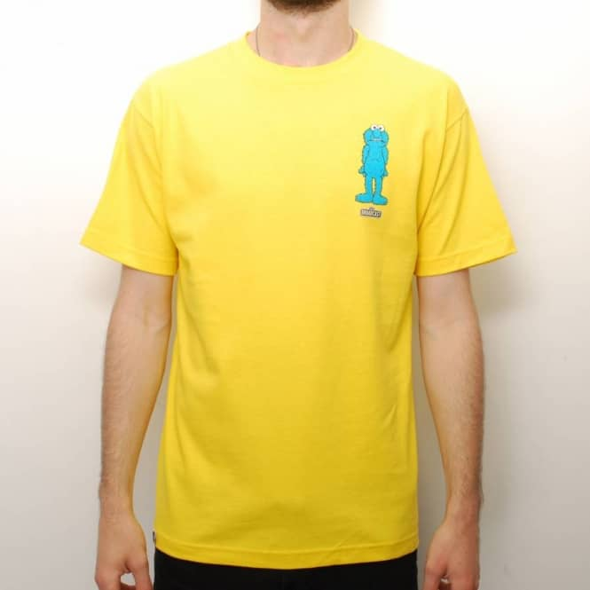 Broadcast Wheels Broadcast Wheels Arrested Skate T-Shirt - Yellow
