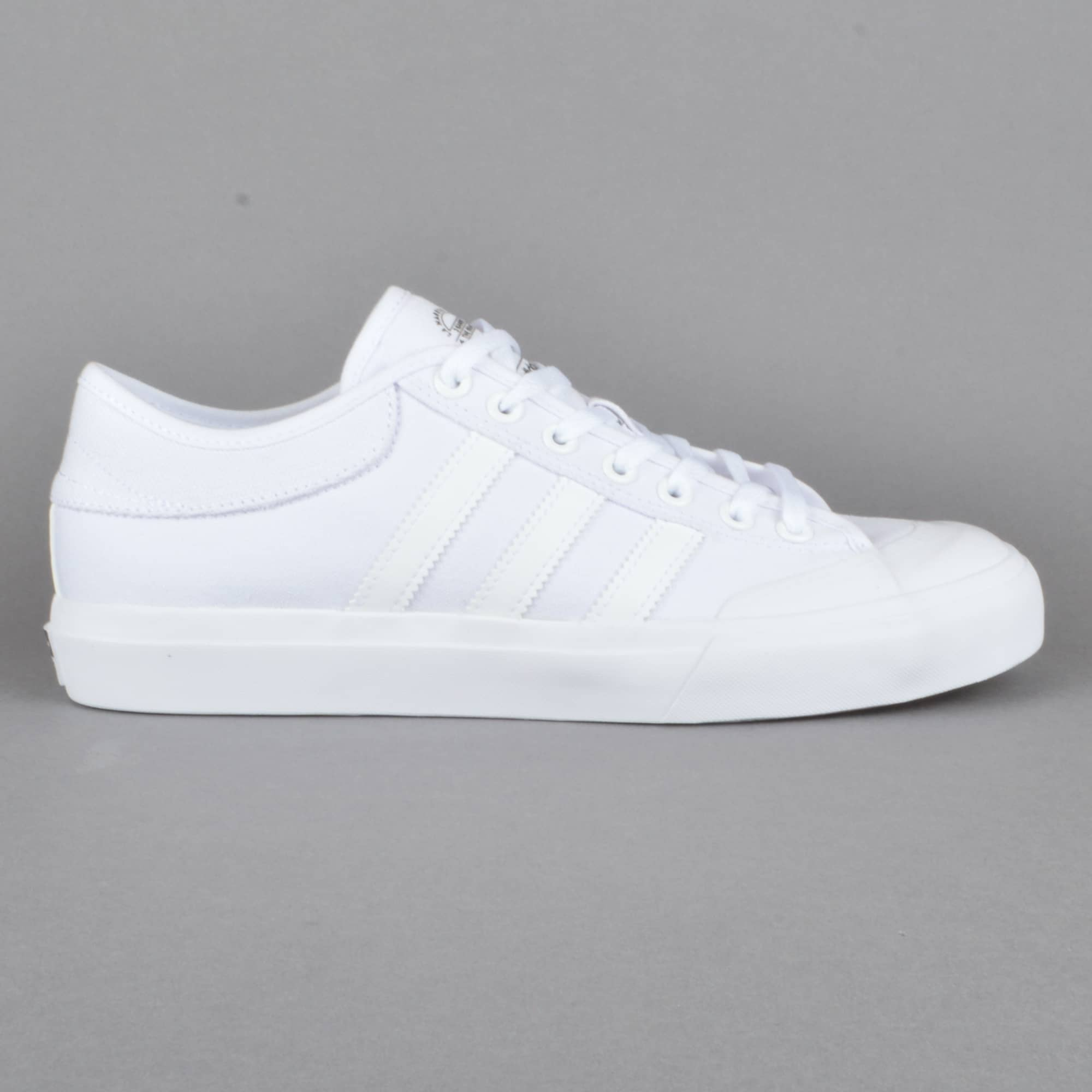 interior esqueleto periodista  Adidas Skateboarding Matchcourt SKate Shoes - FTWWHT/FTWWHT/FTWWHT - SKATE  SHOES from Native Skate Store UK