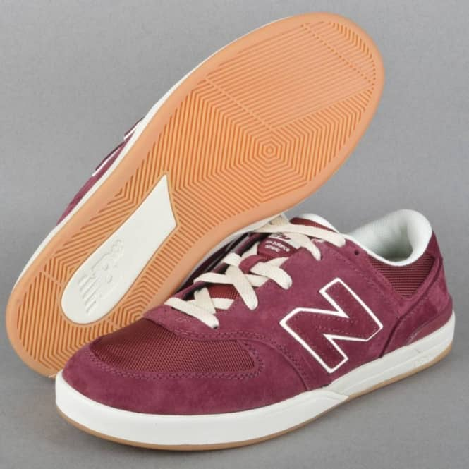 Logan S 636 Skate Shoes Pig Red Suede