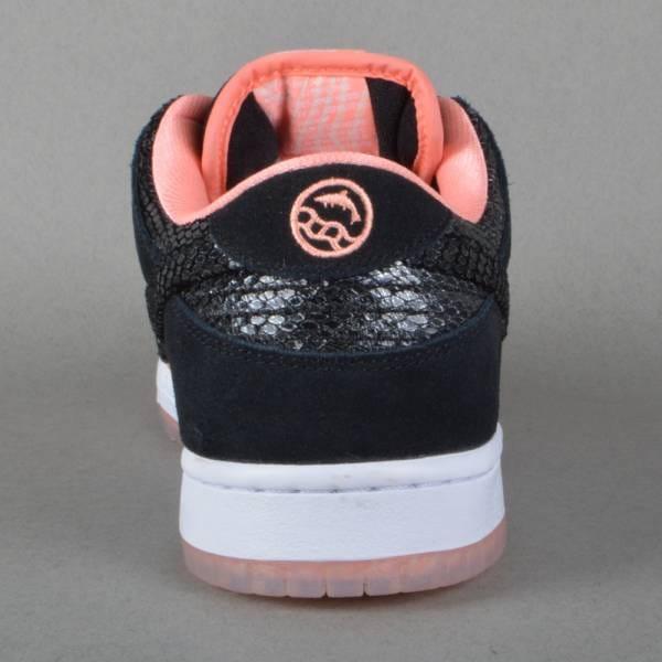 new arrival bd2d9 9bbf3 Dunk Low Premium SB Skate Shoe - Atomic Pink Black-White