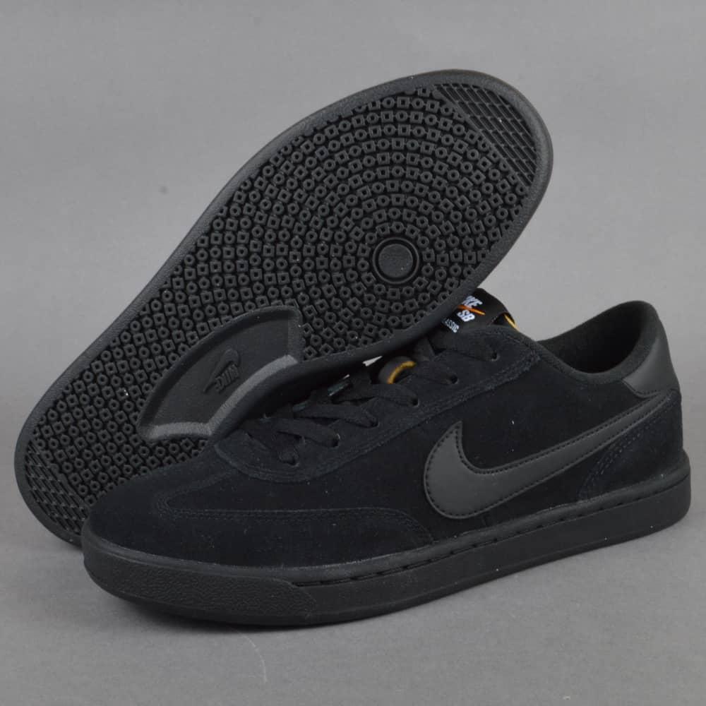 Nike SB FC Classic Skate Shoes - Black