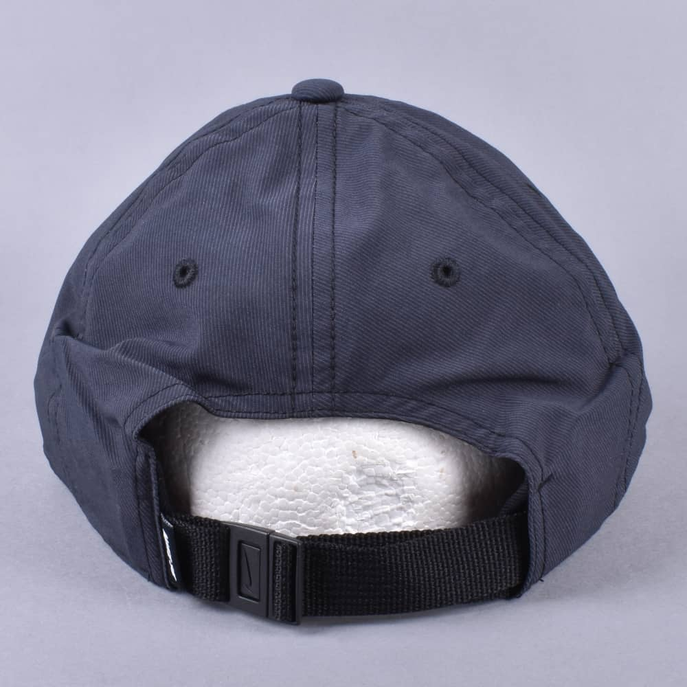 Nike SB Heritage 86 Strapback cap - Black White - SKATE CLOTHING ... 7a79abc0978