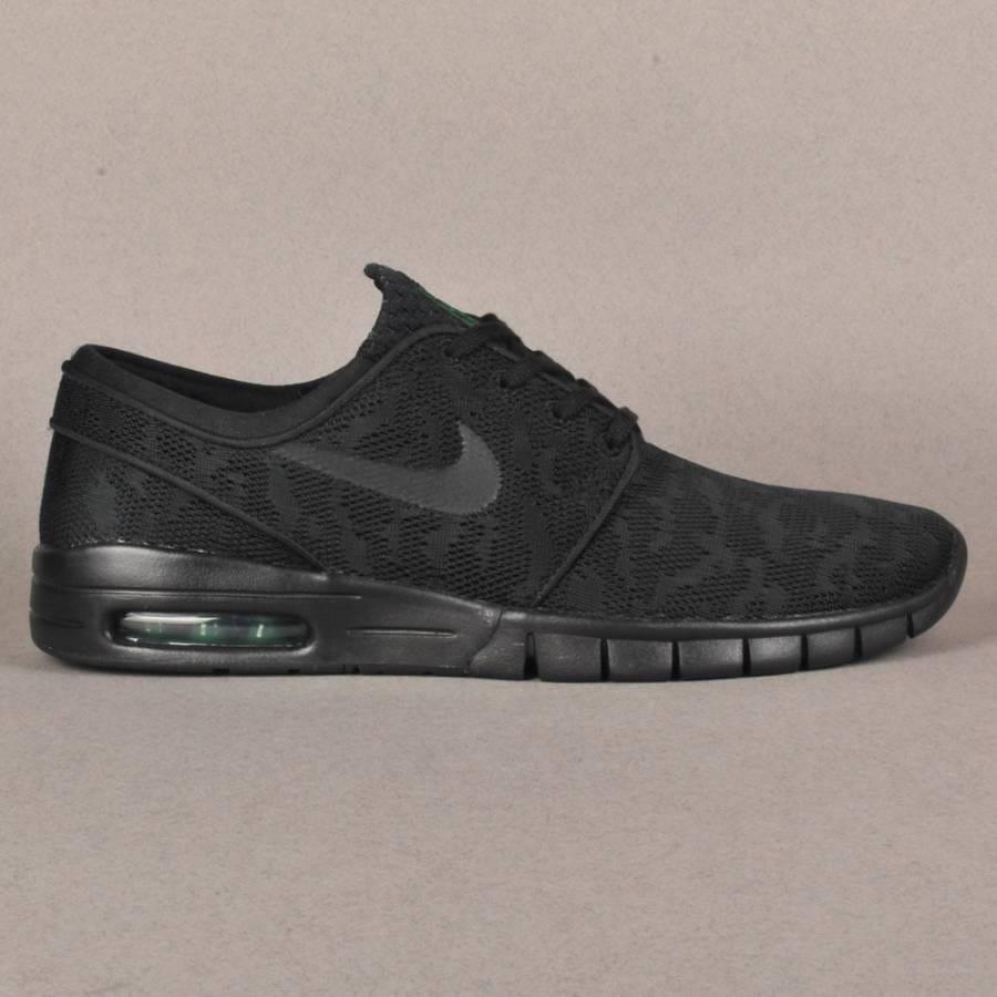 Nike Sneakers In Washing Machine | Snefcca