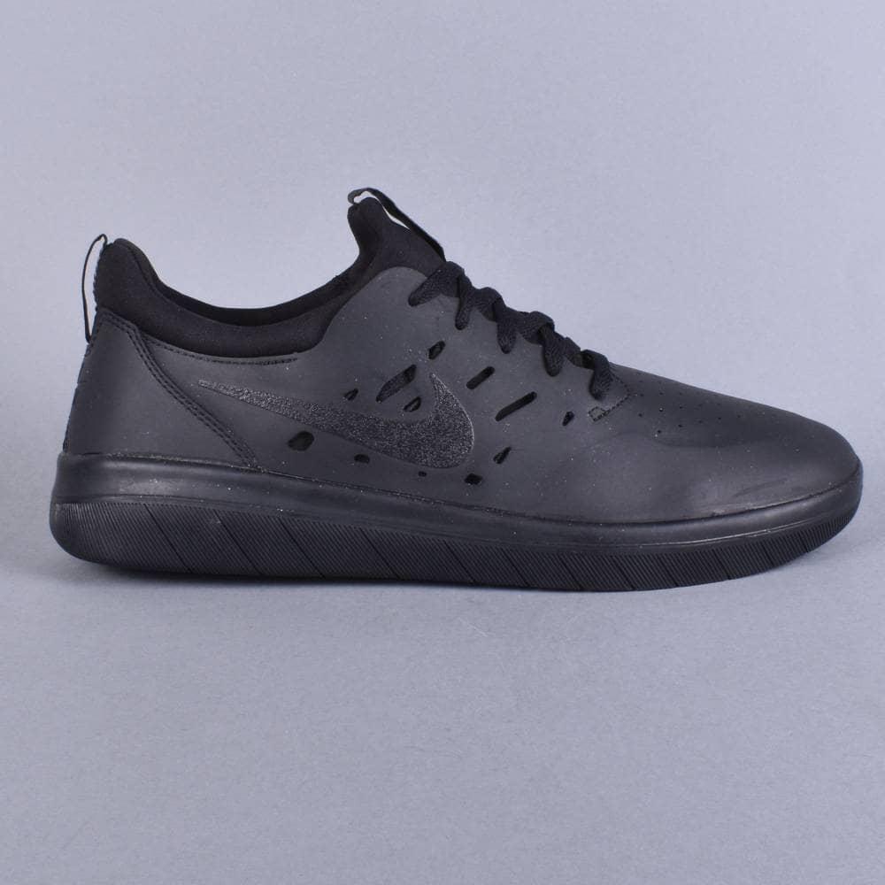 Nike SB Nyjah free Skate Shoes - Black Black-Black - SKATE SHOES ... 240517c55e