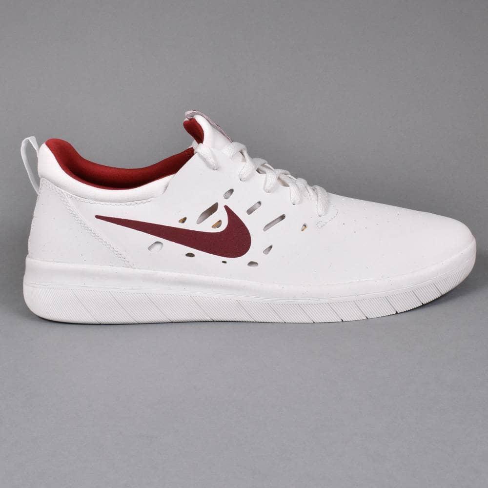 buy popular 00fa9 4677e Nyjah Free Skate Shoes - Summit White Team Crimson