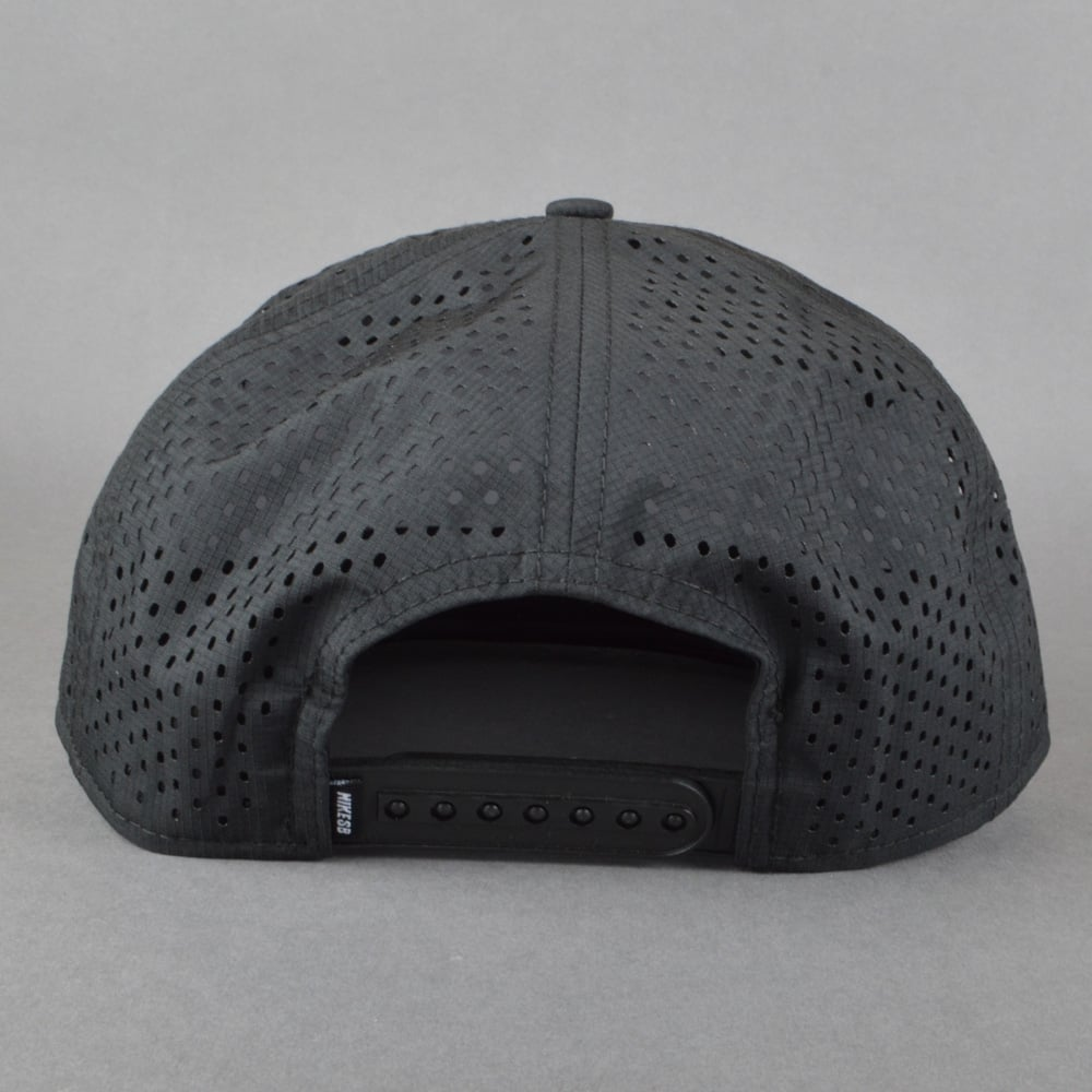 Nike SB Performance Trucker Cap - Black Black Black White - SKATE ... 1a016ba531a