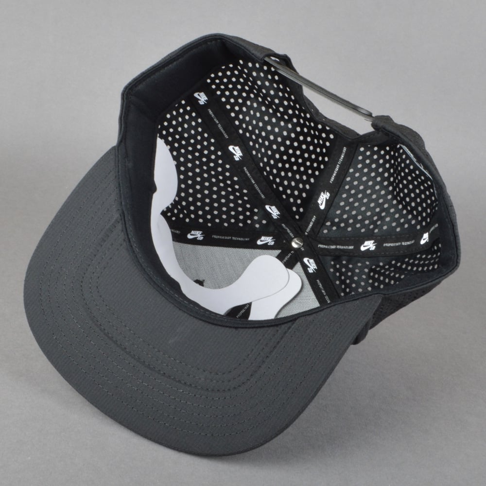 super popular ec689 7d068 Performance Trucker Cap - Black Black Black White