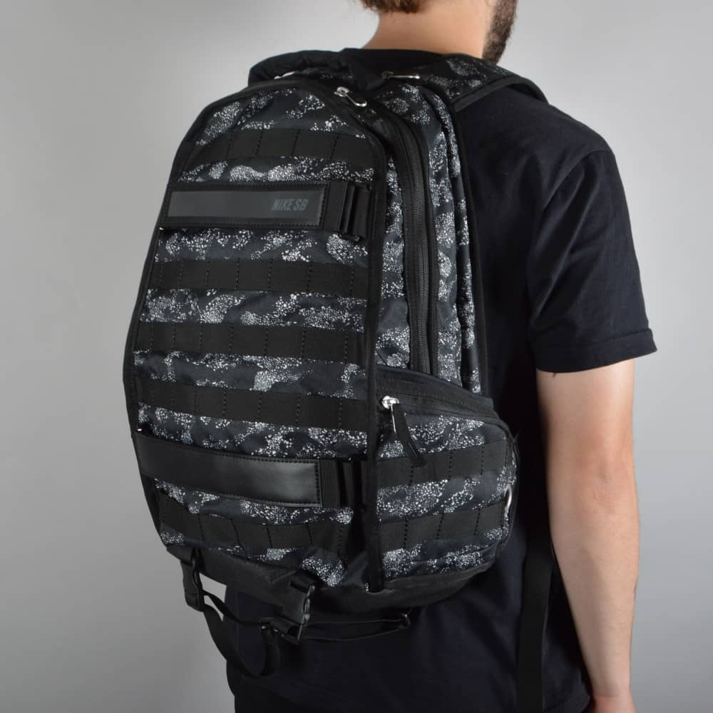 39fd9c0562f0c Nike SB RPM Skate Backpack - Graphic/Black/Black/Black - ACCESSORIES ...