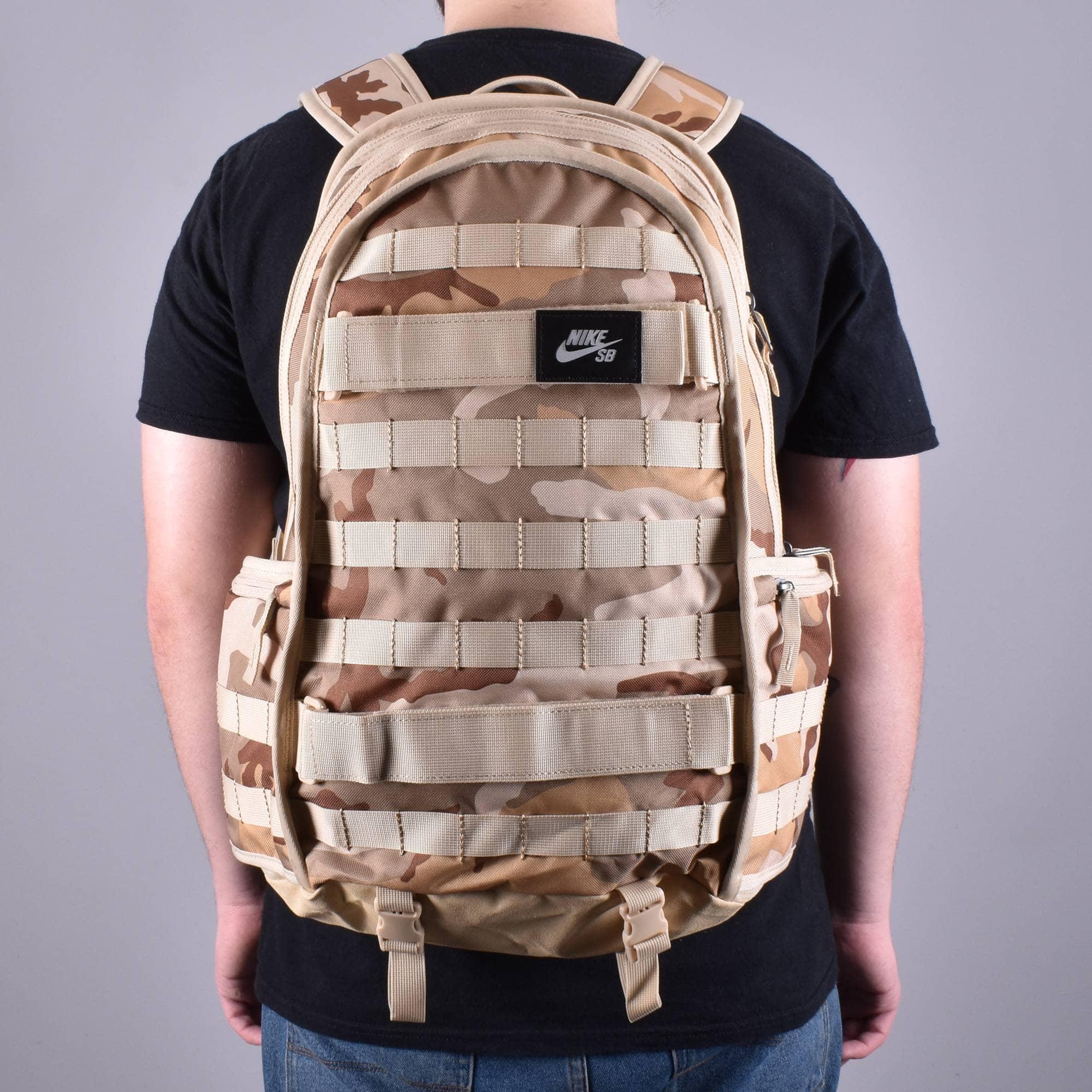 Invalidez Correspondiente a Además  Nike SB RPM Camo Skate Backpack - Desert Camo - ACCESSORIES from ...
