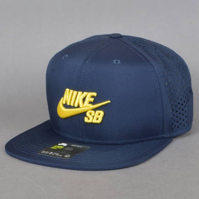 Nike SB Trucker Cap - Obsidian/Obsidian/Black/Tour Yellow