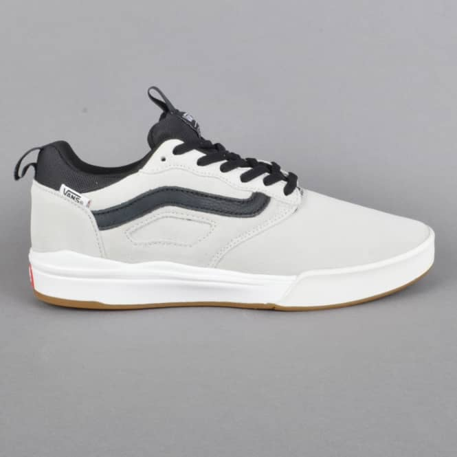 Vans Ultrarange Pro Skate Shoes - White (blanc)/Black