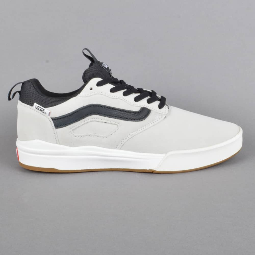 da60578cc9efc1 Vans Ultrarange Pro Skate Shoes - White (blanc) Black - SKATE SHOES ...