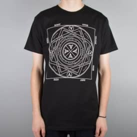 Volume 4 x St. Vitus T-Shirt - Black